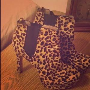 """5"""" heels leopard print Booties!"""